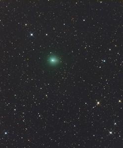"C/2013 R1 (Lovejoy) am 5. Oktober. CCD-Aufnahme, 4:09 MESZ, 12""-Astrograph bei 1150mm, FLI ML 8300, 20min (L), 15min (je RGB). [Gerald Rhemann]"