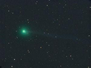 """C/2009 R1 McNaught am 19.5.2010, CCD-Aufnahme, 19.5.2010, 2:19 MEZ, 8""""-Astrograph bei 530mm, SXV-H9, 6x3min (L), 1x2min (je RGB), [Michael Jäger, www.cometpieces.at]"""