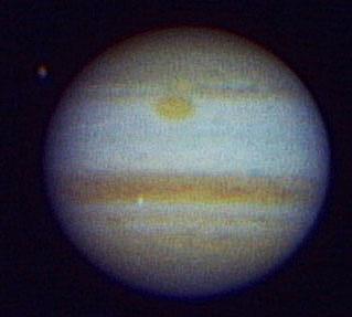 Ein Einzelbild aus dem japanischen Jupiter-Video, auf dem der Impaktblitz vom 22. August zuerst entdeckt wurde: Es entstand mit einem 150mm-Refraktor und einer TouCam. [Masayuki Tachikawa]