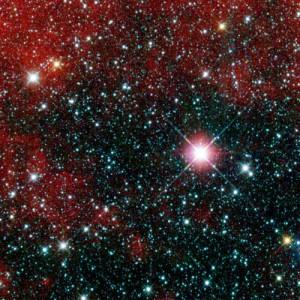 Aus Aufnahmen bei 3,4µm, 4,6µm und 12µm Wellenlänge wurde diese Falschfarbenversion der attraktivsten von einem halben Dutzend Testaufnahmen mit dem neuen NASA-IR-Satelliten WISE zusammengesetzt: Sie beweist, dass die Optik fokussiert ist und die Detektoren arbeiten. [NASA/JP-Caltech/UCLA]