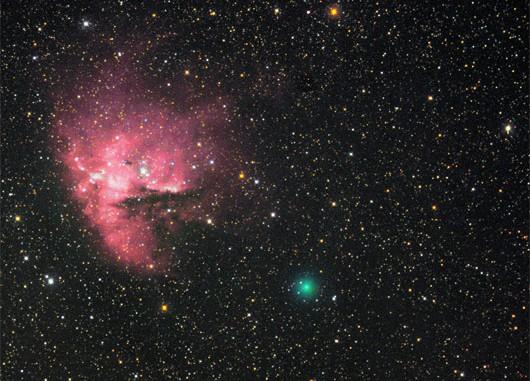 C/2009 F6 (Yi-SWAN) und der Pacman-Nebel NGC 281 am 12.4.2009, H-Alpha-LRGB. [Michael Jäger]