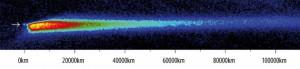 Der Kern des Kometen P/2010 A2 (Pfeil) und der abgelöste Staubschweif, aufgenommen mit dem William Herschel Telescope auf La Palma am 21. Januar.