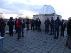 Versammlung auf der Beobachtungsplattform der Volkssternwarte Hannover. Manfred Holl
