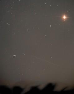 """Schon einen Tag vorher erwischte Norbert Mrozek den Kometen in Marsnähe. CCD-Aufnahme, 18.10.2014, 19:04 MEZ, 8""""-Newton bei 560mm, Moravian G2 8300, 3×30s (L), 30s (je RGB)."""