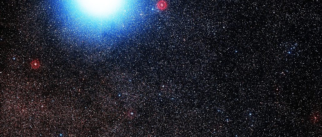 Die drei erdnächsten Sterne in einem Bild: Beim hellen Paar Alpha Centauri A und B - hier zu einem Lichtklecks verschmolzen - wurde bislang kein Planet nachgewiesen, wohl aber nun beim Roten Zwerg Proxima Centauri. [Digitized Sky Survey 2 / Davide De Martin & Mahdi Zamani]