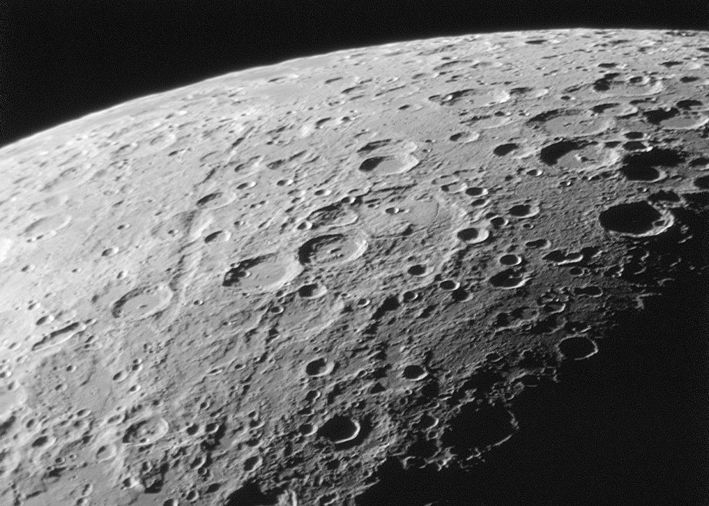 Mond Krater