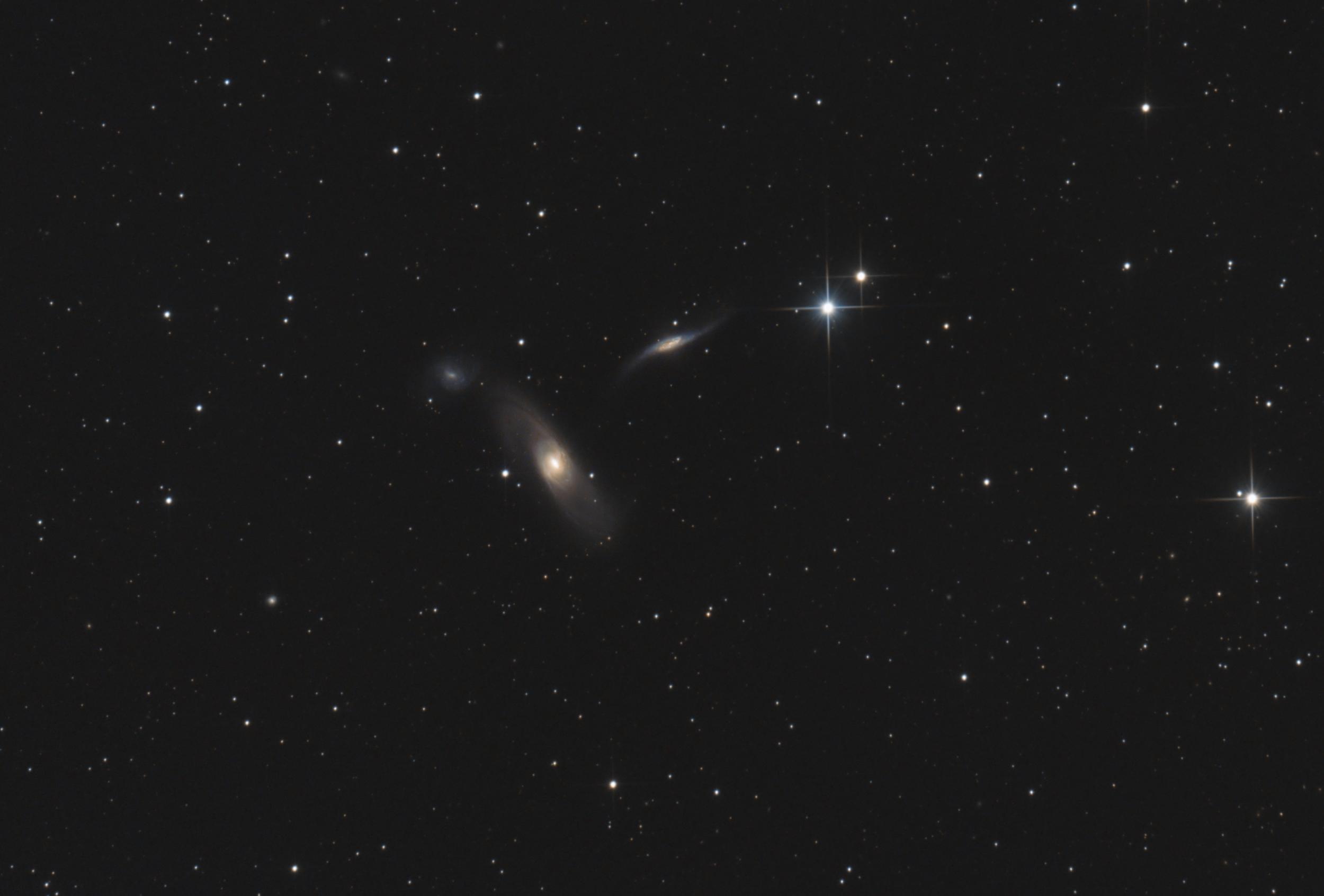 NGC5566
