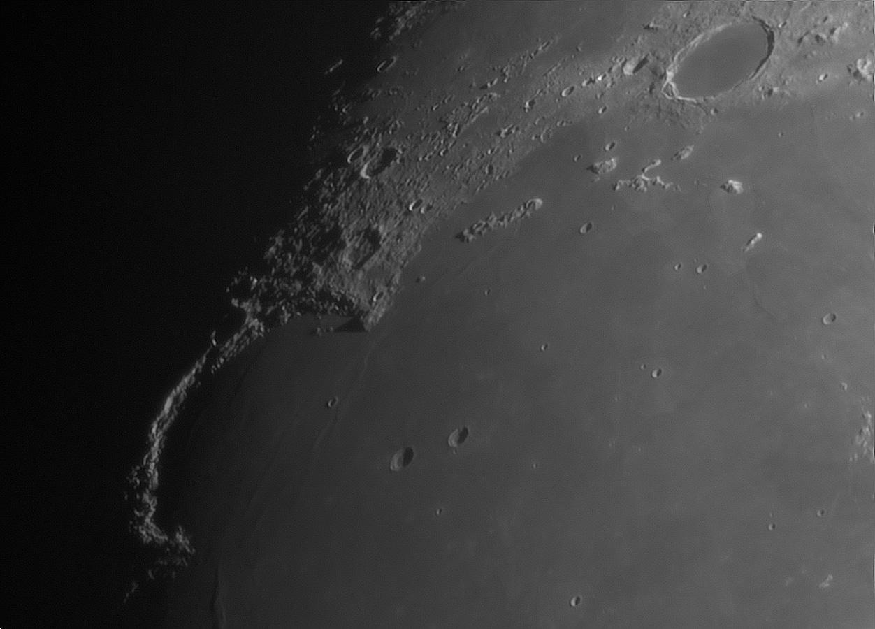 Moon_230538