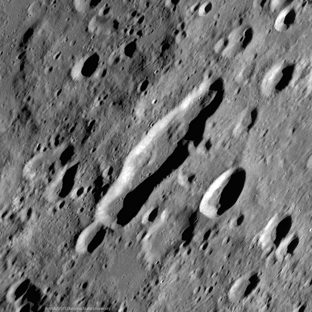 Vallis-Rheita-NASA-Spix-03