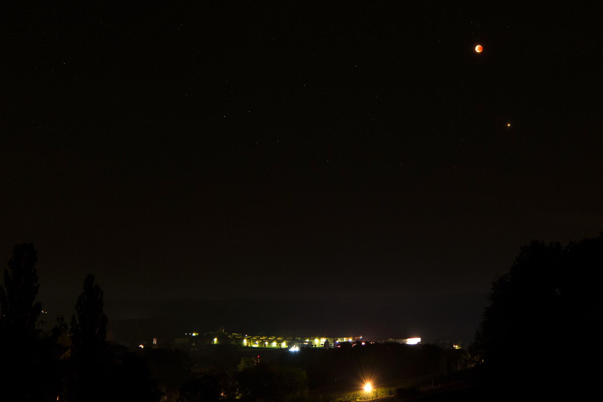 Moon_Mars_01